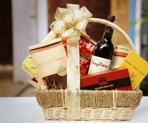 Tết tặng quà gì cho sếp và khách hàng?